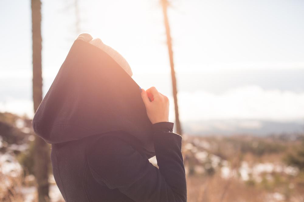 girl-with-a-hood-under-the-sun-picjumbo-com